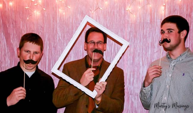 25th anniversary photo booth: easy ideas and tips
