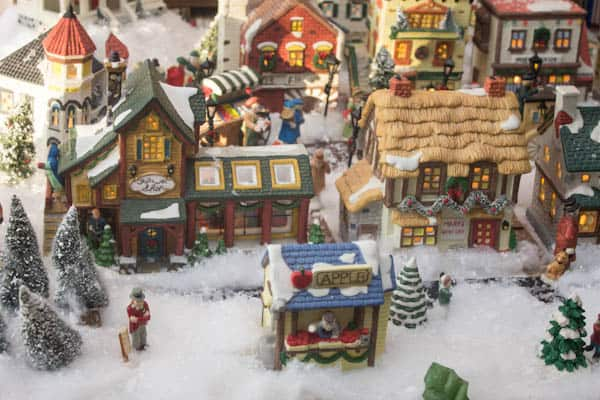 Christmas Village Display Ideas And Helpful Tips
