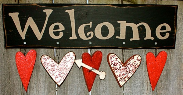Creative-Valentine-Hangers-to-Welcome-Valentines-Day-600x313