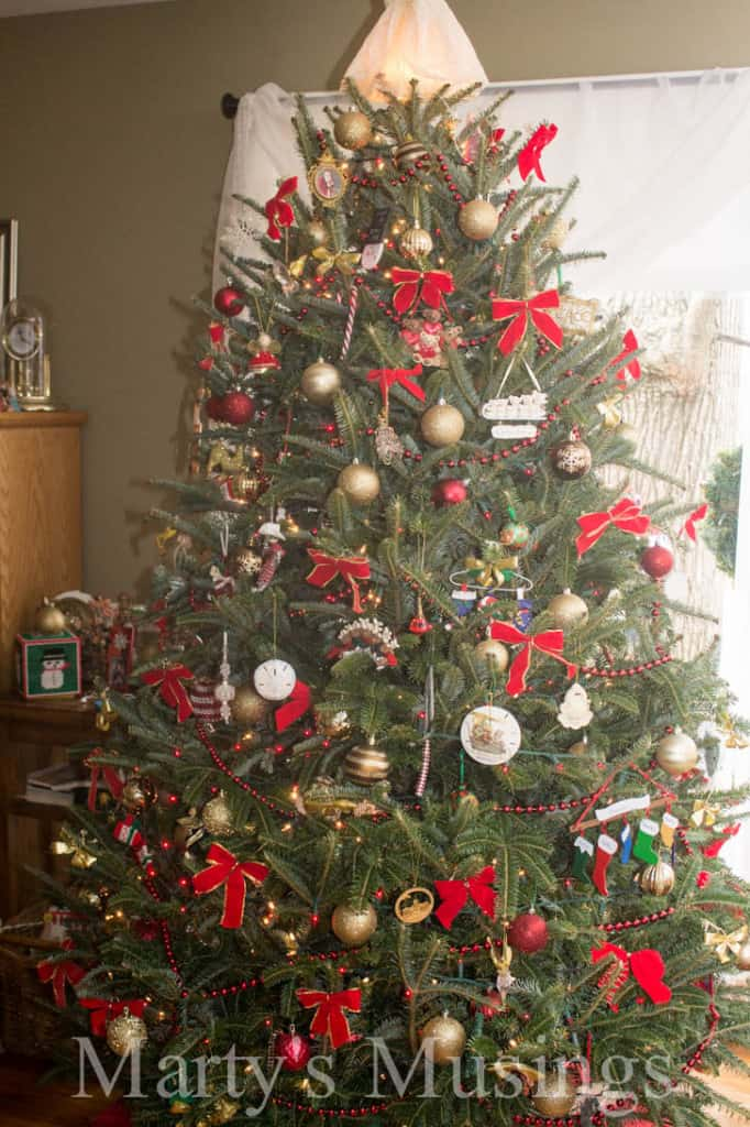 Frugal Christmas Decor Ideas from Marty's Musings