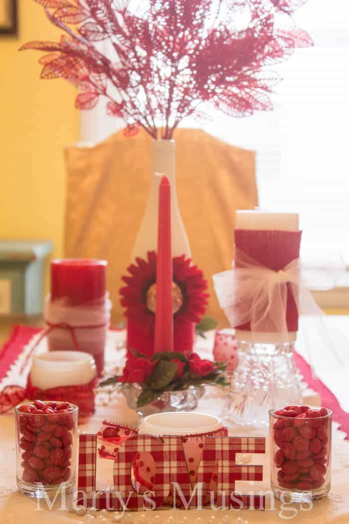 Valentines-Centerpiece-from-Martys-Musings