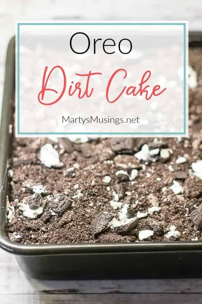 Oreo Dirt Cake With Chocolate Pudding