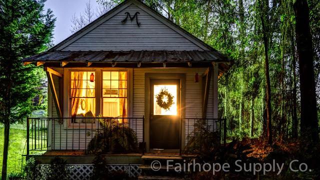 Cozy Telegraph Cottage