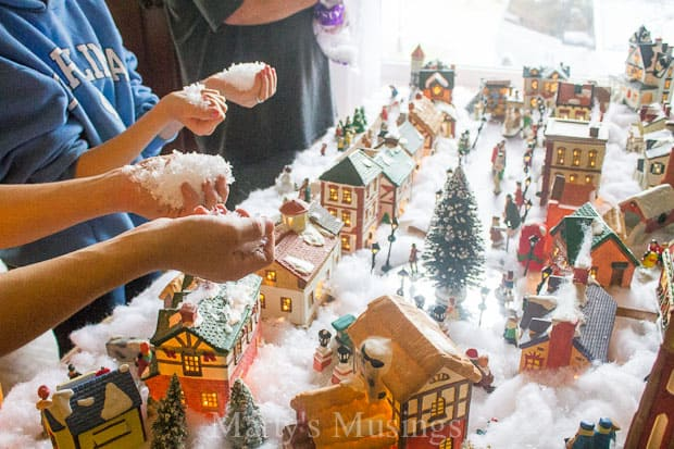 how to create a christmas village display - Christmas Town Decorations