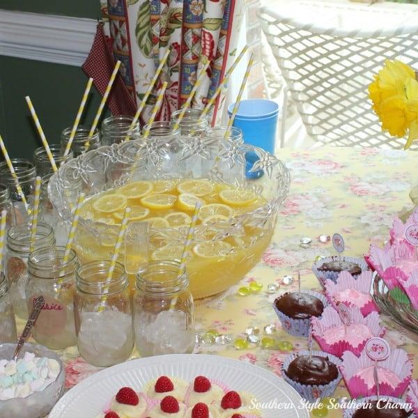 Lemonade-Punch-