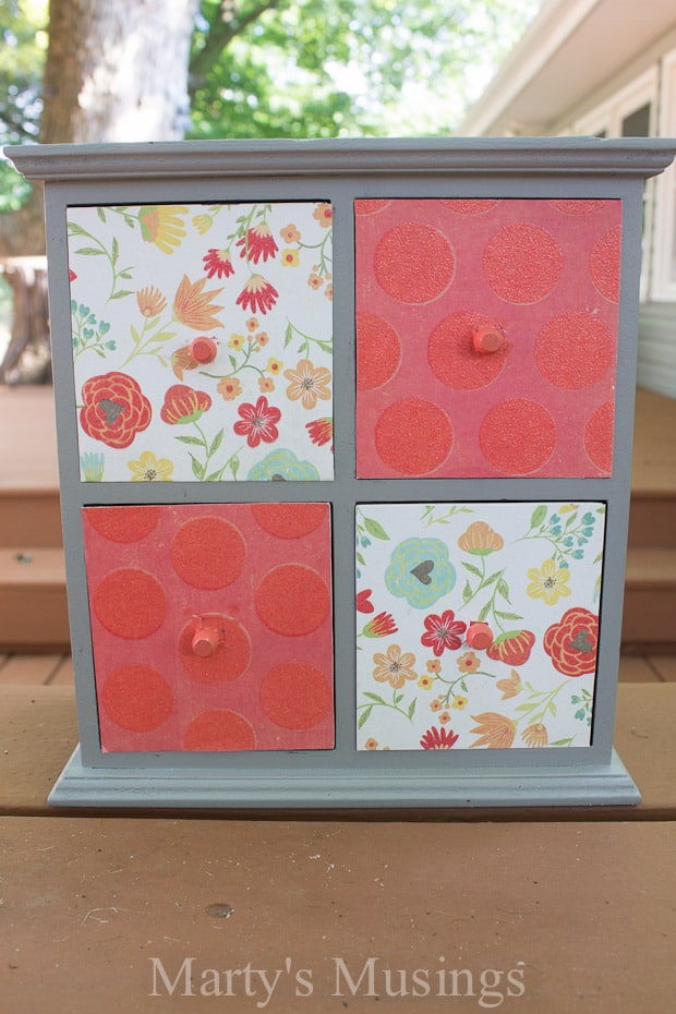 DIY Makeup Storage Using Scrapbook Paper