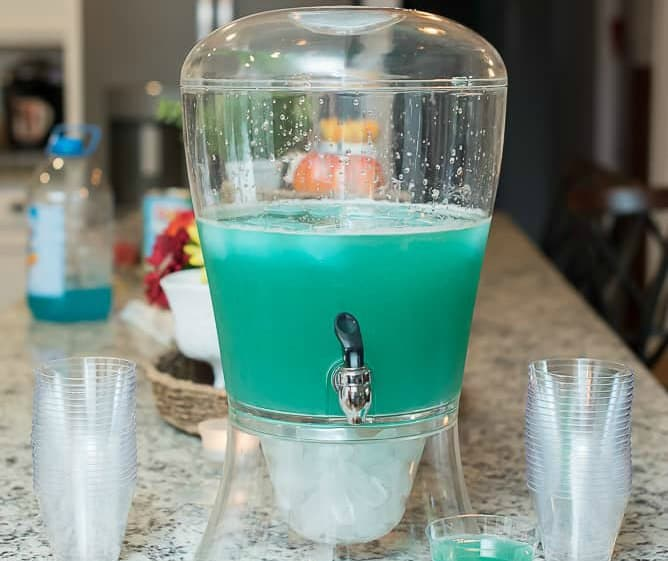 Wedding Punch Ideas: Easy Blue Frozen Punch: Only Three Ingredients