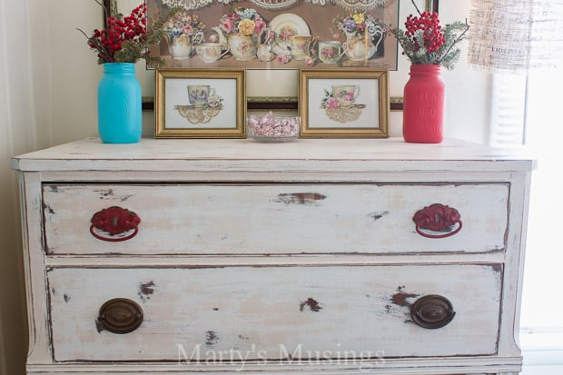 Chalk Painted Dresser: Trash to Treasure!