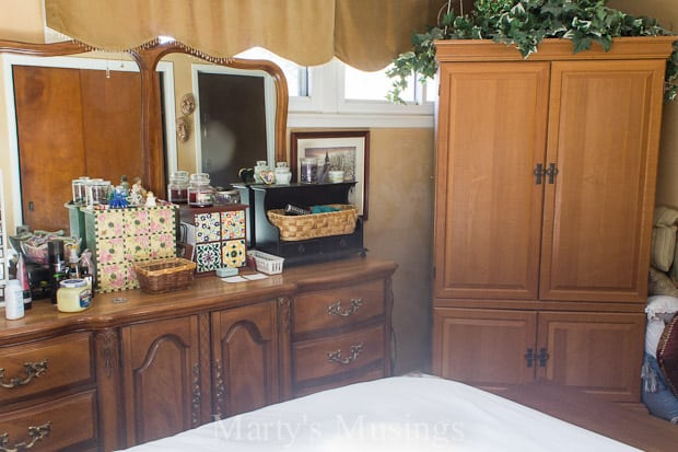 Shabby chic bedroom ideas for Build yourself bedroom furniture