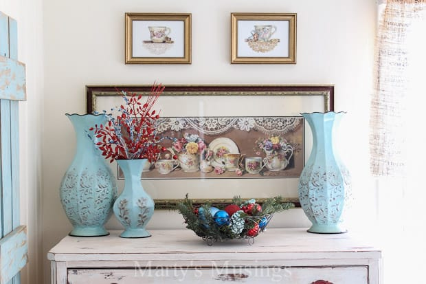 Decorating with Red and Aqua Colors at Christmas