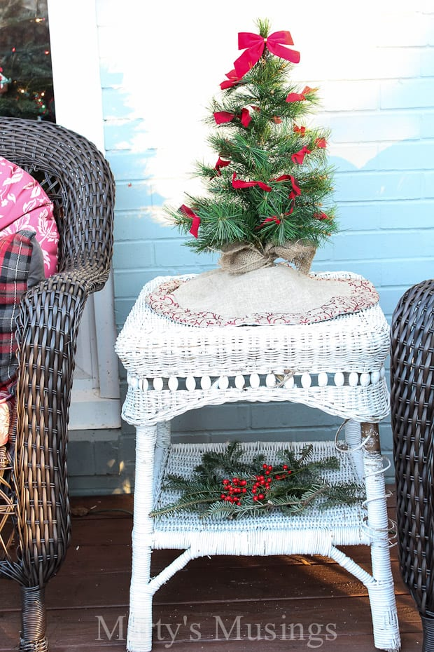 tons of tips for using natural elements and thrifty repurposed treasures for outside decorations without