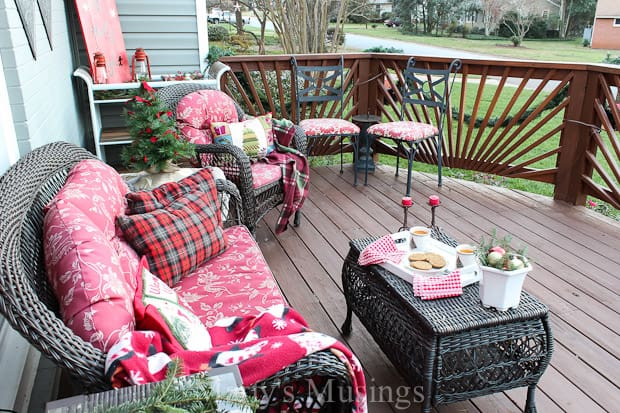 tons of tips for using natural elements and thrifty repurposed treasures for outside decorations without - Deck Decorating Ideas
