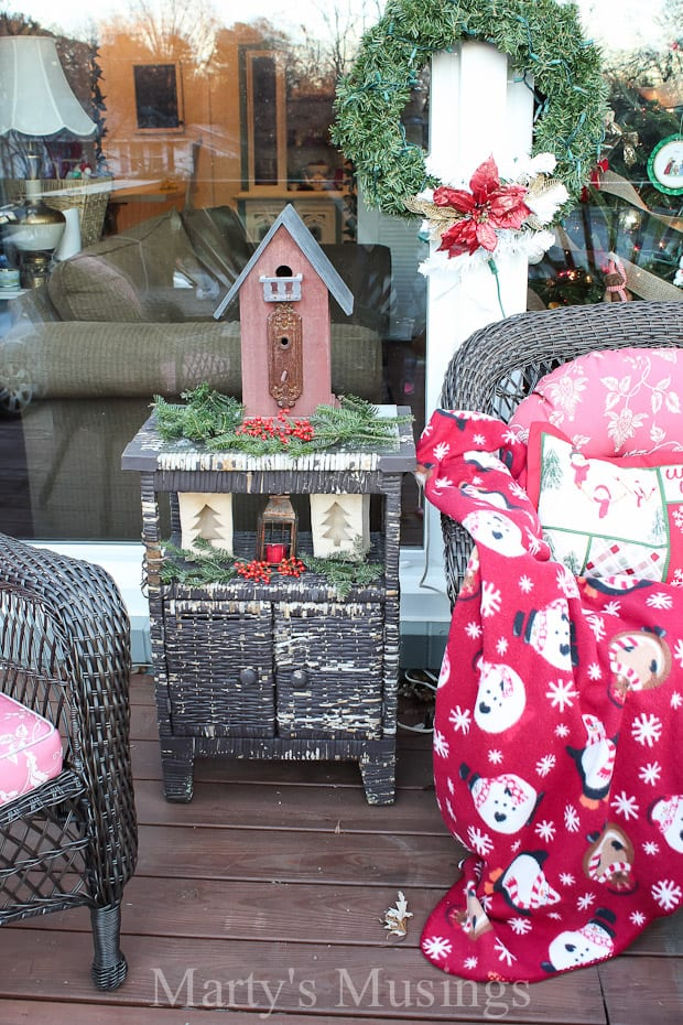 Inexpensive Deck Decorating Ideas for Christmas