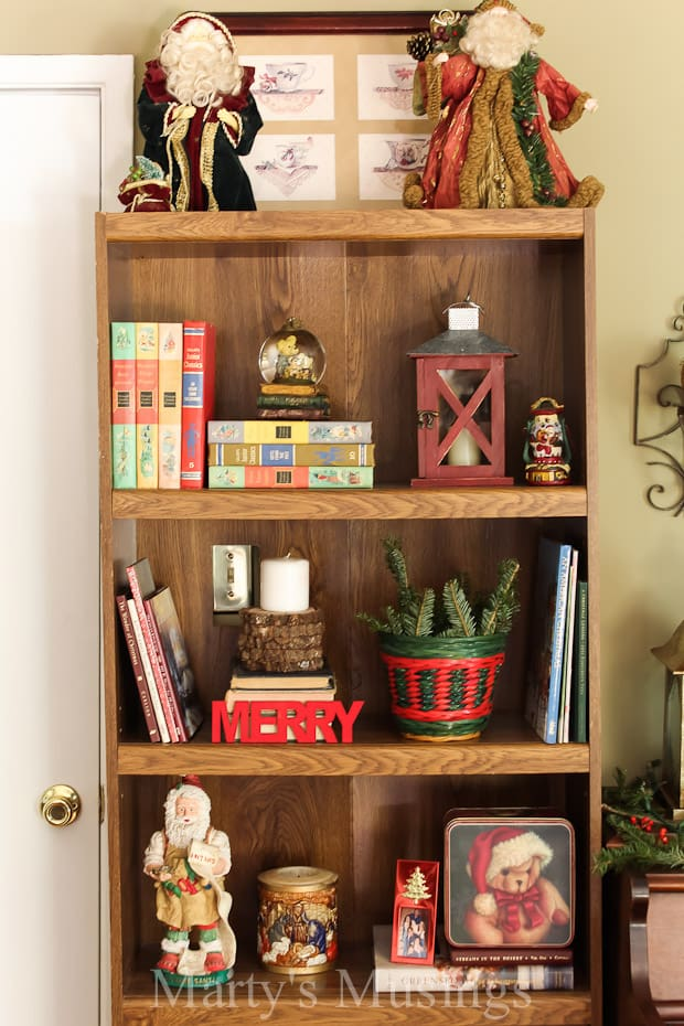 With yard sale treasures, elements from nature and easy DIY projects, this Christmas Home Tour will convince you that a small home can be beautiful, too!