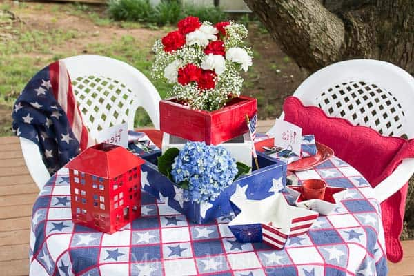 Inexpensive 4th of July Table Decorations