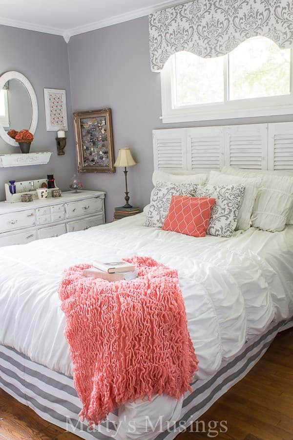 Anyone Can Learn To Create An Authentic Home Filled With Simple Thrifty Decor Marty S