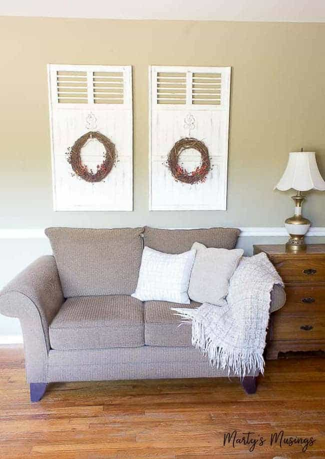 Great ideas for ways to save money on fall decorating, including tips on buying from thrift stores, using natural elements and shopping your own home!