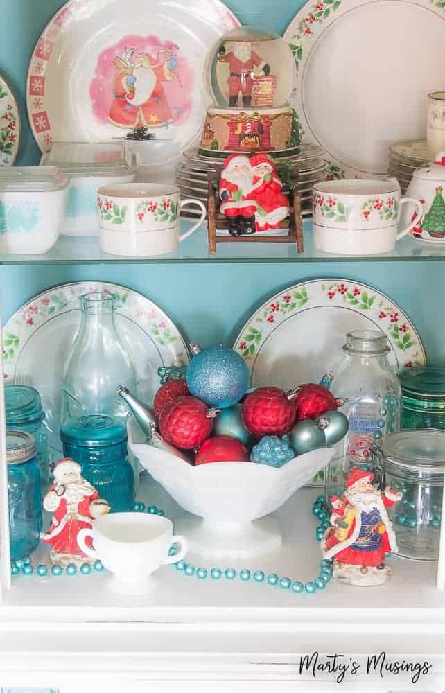 Want a beautiful holiday home without spending a lot of money? Try some of these 10 creative ways to use extra Christmas ornaments for some tips and ideas!