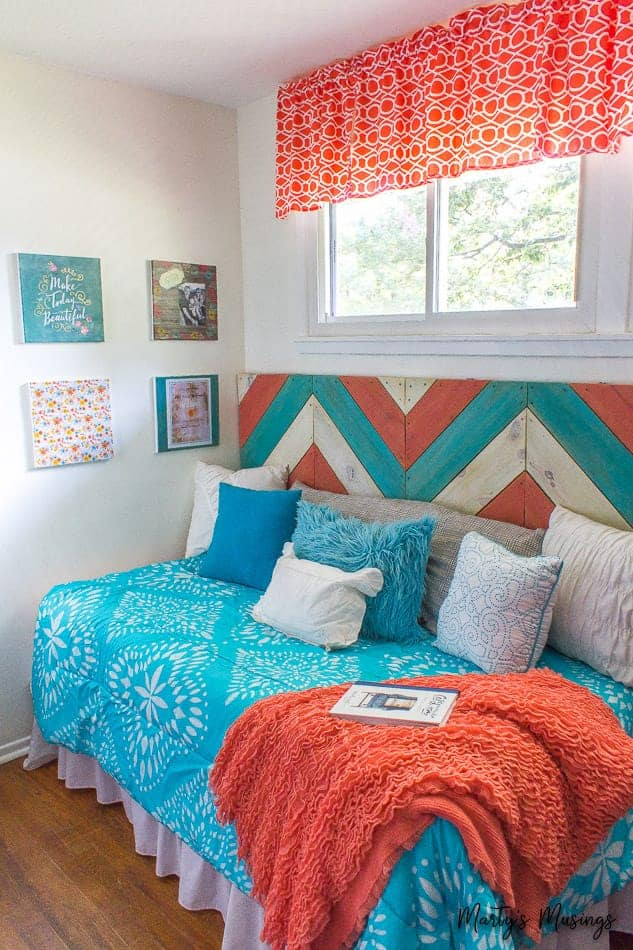 craft room with daybed decorated in aqua and teal
