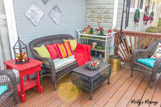 Decorating Outside for Christmas: 5 Easy Ideas!