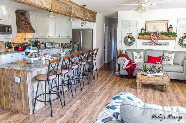 Rustic Farmhouse Christmas Decorations