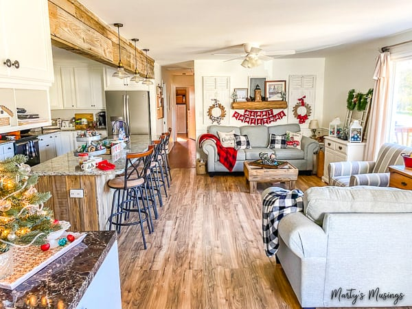 How to Decorate for Christmas on a Budget